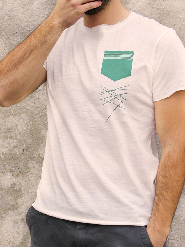 T-shirt pour homme avec un motif représentant un poche vertes avec des lignes tombantes