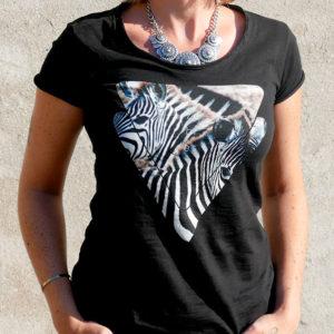 t-shirt femme avec le visuel zèbre de la collection tanzanie